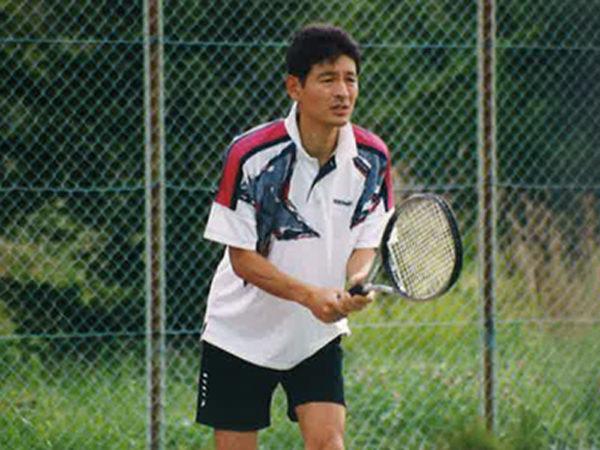 勉学とテニスに励む学生生活 | 久世半田市長  久世孝宏(たかひろ)|2030年を見つめ、声を聴く
